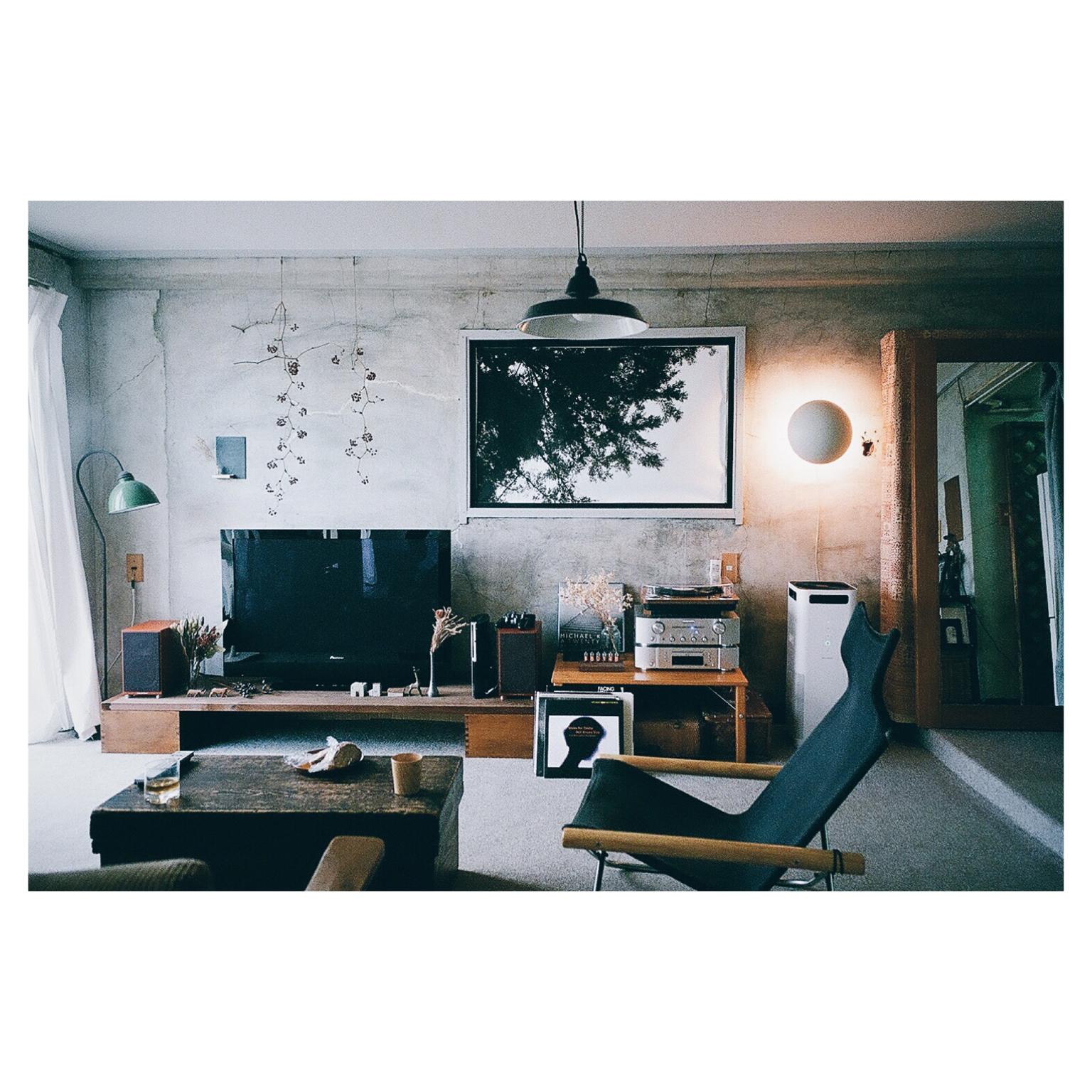 【テレビ周り】生活感を出さないスタイリッシュなインテリアのサムネイル画像