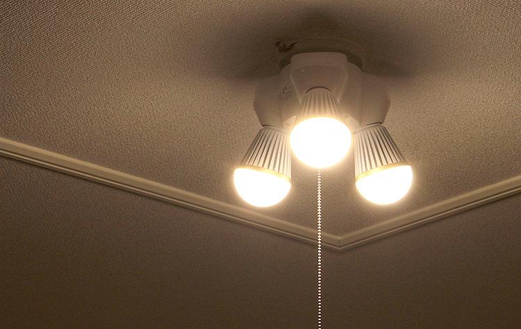 シーリングライトはお部屋を明るく華やかにします!人気製品をご紹介のサムネイル画像