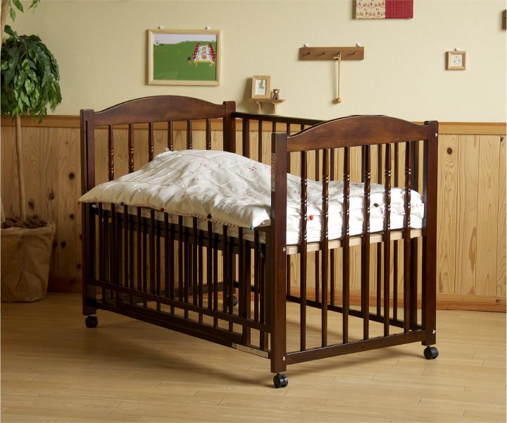 【赤ちゃんがいるママ必見】ベビーベッドの効率のよい収納方法のサムネイル画像