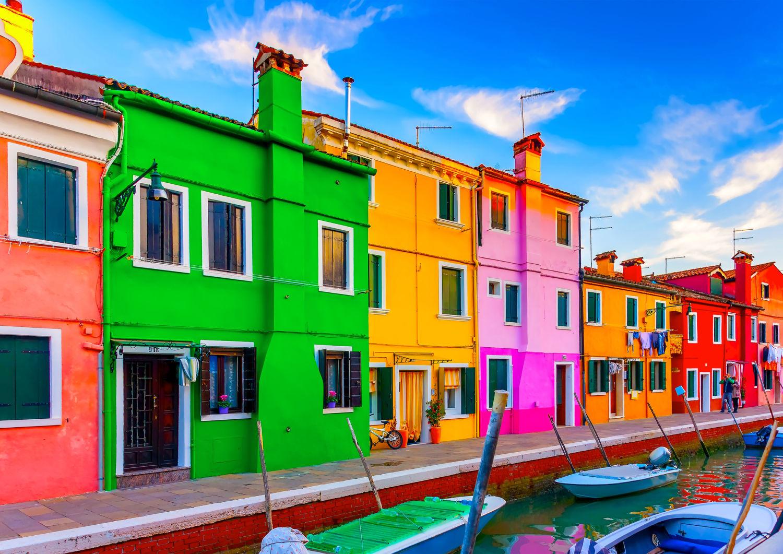 家の塗り替えを検討するなら・・・外壁塗装の色選びのポイント!のサムネイル画像