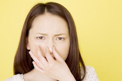 どうしても気になるゴミ箱に染み付いた生ゴミの臭い予防方法のサムネイル画像