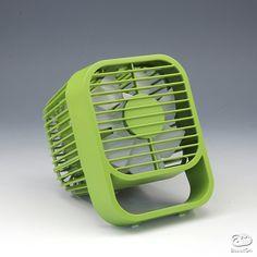 扇風機、つけっぱなしは体に良くない?それってウソ?本当?のサムネイル画像