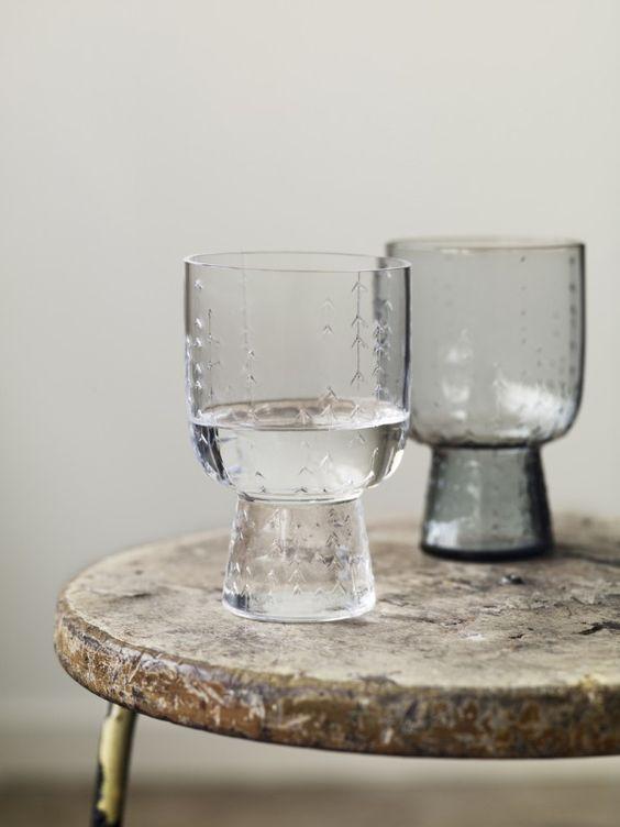お水の違いは知っていますか?体に合ったおすすめの飲料水!のサムネイル画像