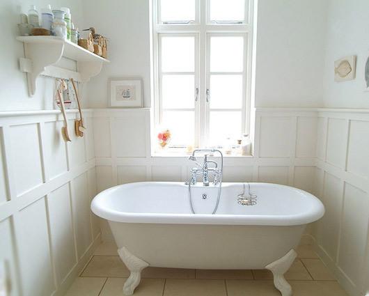 綺麗なお風呂に入りたい!汚れがちな排水溝を掃除しましょう!のサムネイル画像