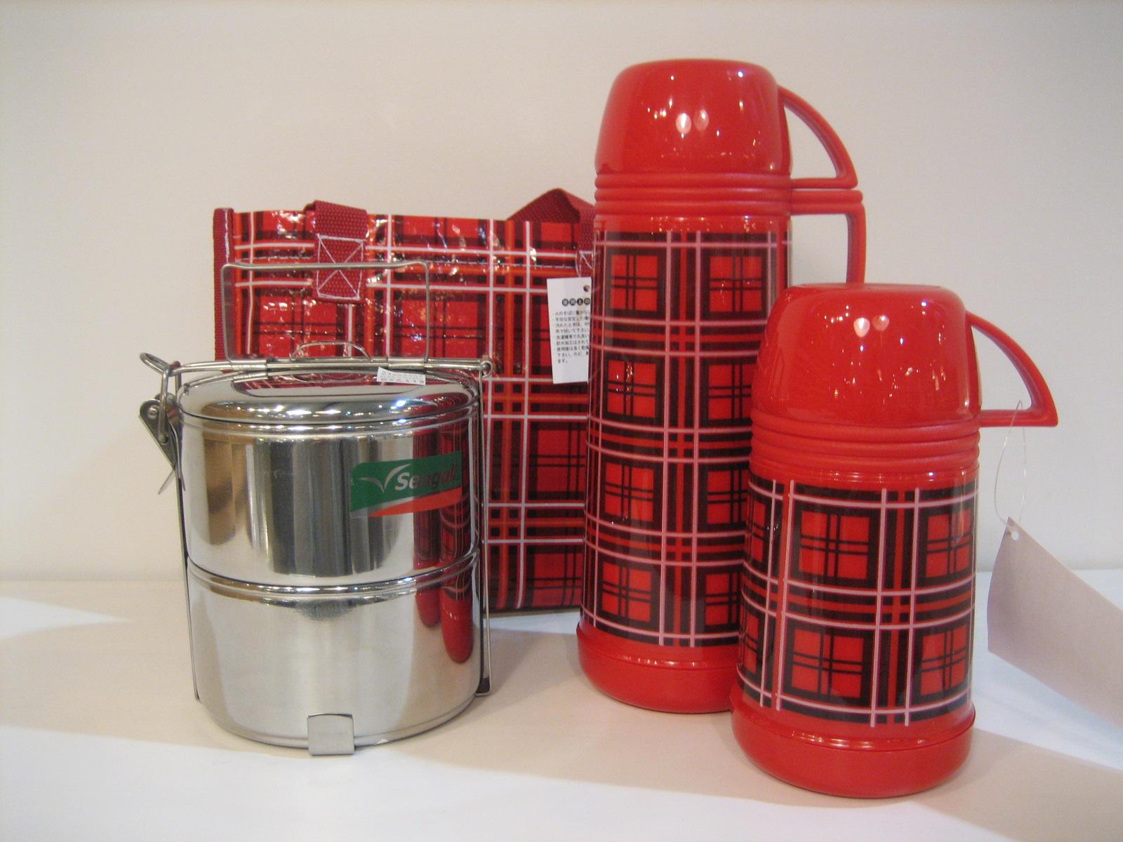 水筒のカビを取ってピカピカに!水筒の正しい洗い方&カビ予防方法のサムネイル画像