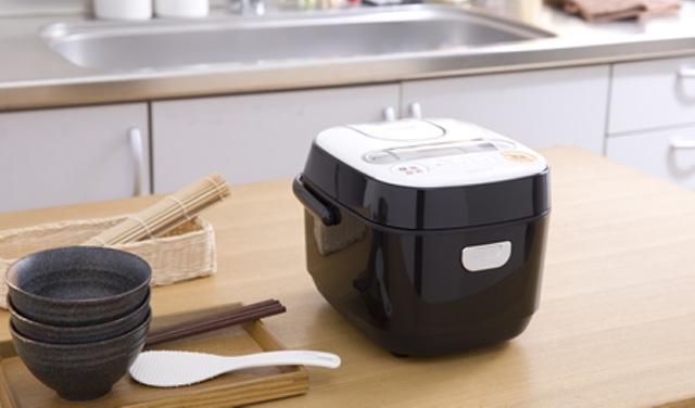 炊飯器にカビが大量発生!?炊飯器を捨てずにカビを掃除する方法のサムネイル画像