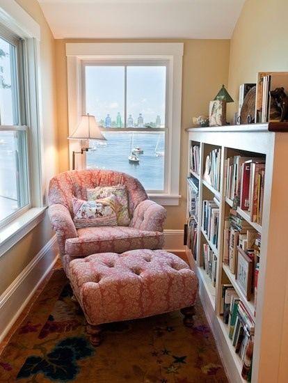 マイスペースを確保するなら、コンパクトな小さめソファで十分です!のサムネイル画像
