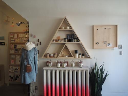 模様替えしたい方必見!かわいい棚でおしゃれ部屋にコーディネートのサムネイル画像