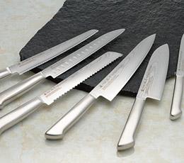 何を切る?ちゃんと使い分けをしよう!包丁の種類と用途まとめのサムネイル画像