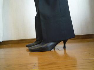 ズボンの裾上げは自分で簡単にできる!プロに頼む場合のお値段は?のサムネイル画像