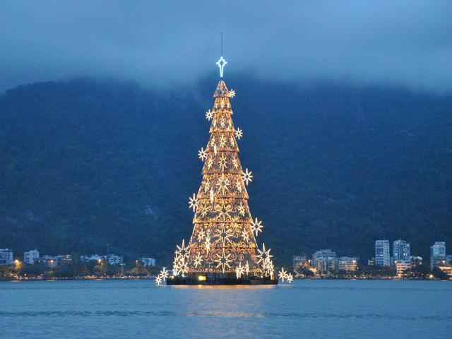 クリスマスツリーをオーナメントで飾ろう!クリスマスマル得特集!のサムネイル画像