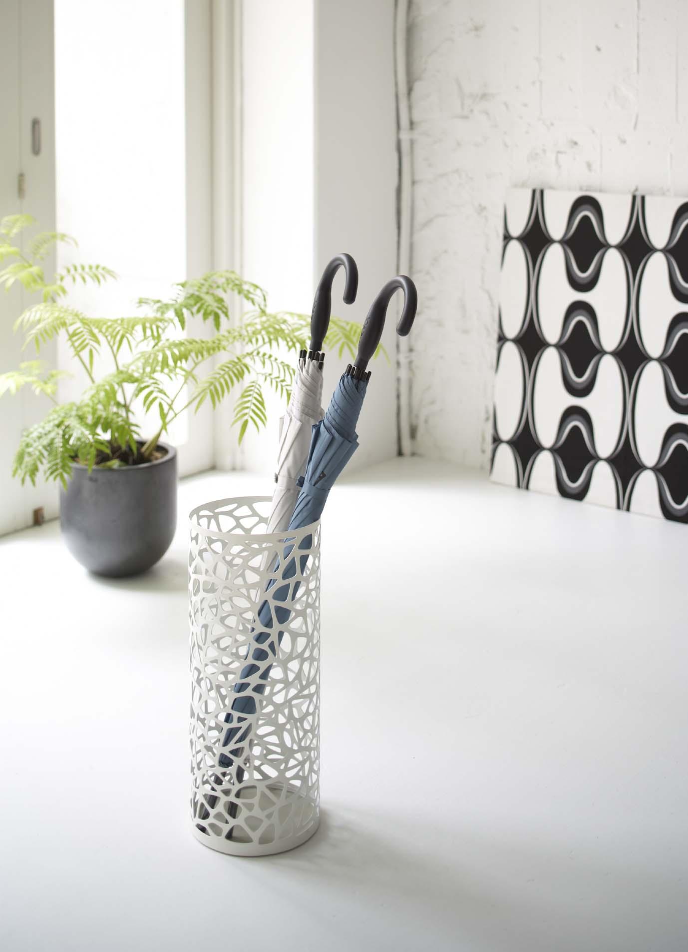 傘立てもインテリアアイテムのひとつ!お気に入りのデザインを選ぼうのサムネイル画像