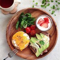 カフェ風の食器を上手に生かしてテーブルをおしゃれに飾ろう!のサムネイル画像