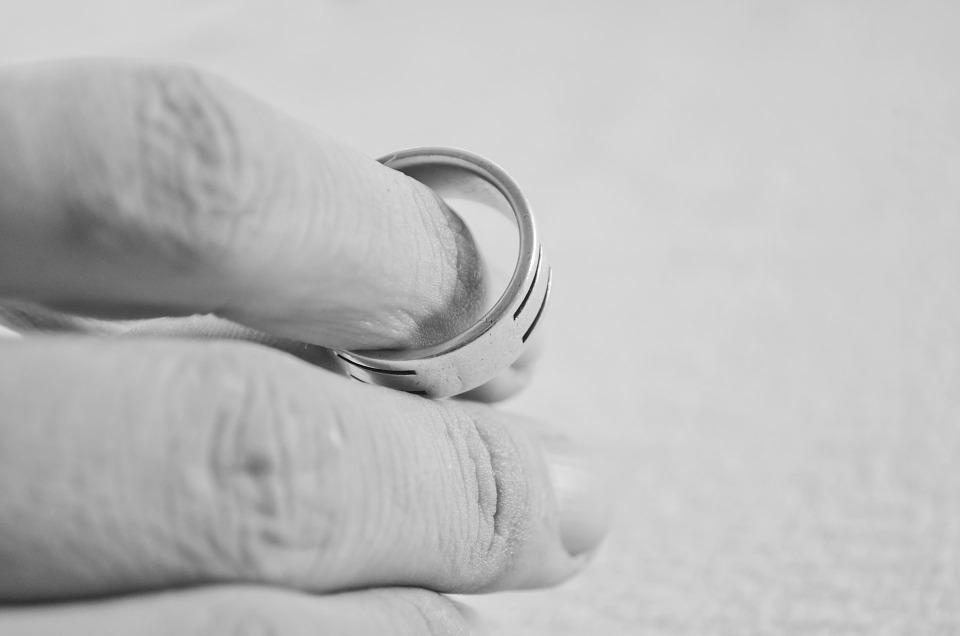 【必読】『結婚生活に疲れた』と思っている人は意外に多い!?のサムネイル画像