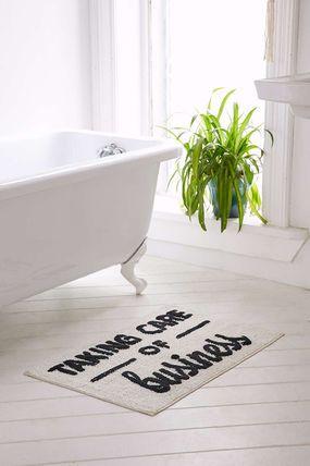 置くだけでバスルームをおしゃれにしてくれる人気のバスマット♡のサムネイル画像