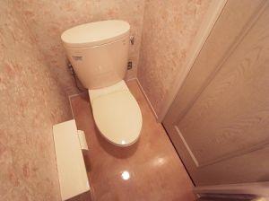 トイレに棚が無くても大丈夫!簡単に収納場所が作れる方法を紹介!のサムネイル画像