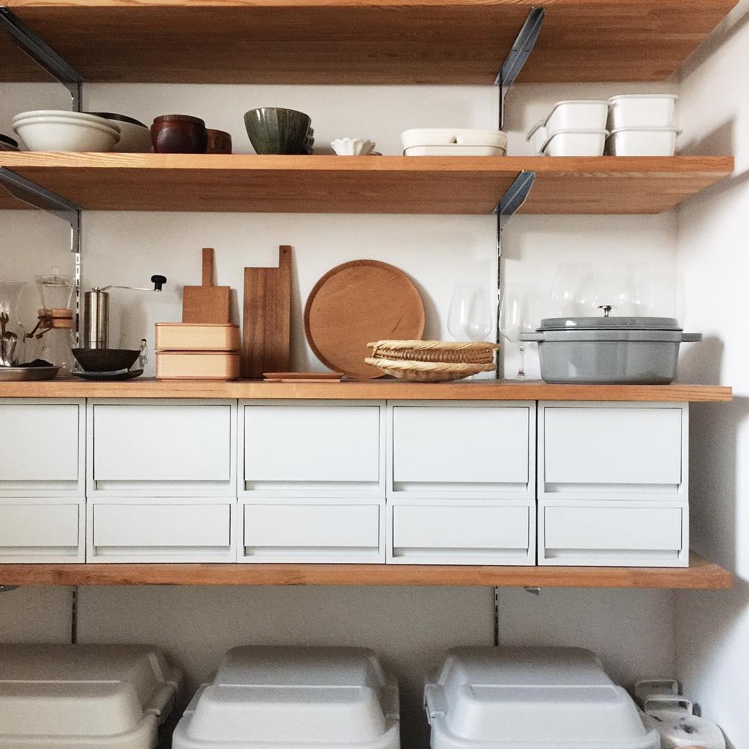 【台所の収納モンダイ】すっきりキレイなキッチンを目指す!アイデア集のサムネイル画像