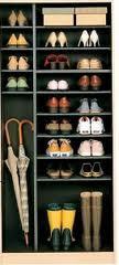 散らかる靴をスッキリしまいたい!下駄箱収納アイデアをご紹介!のサムネイル画像