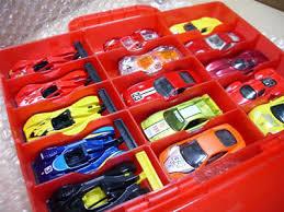 たくさんのミニカーをどうやって収納したらいいの?収納アイテム満載のサムネイル画像
