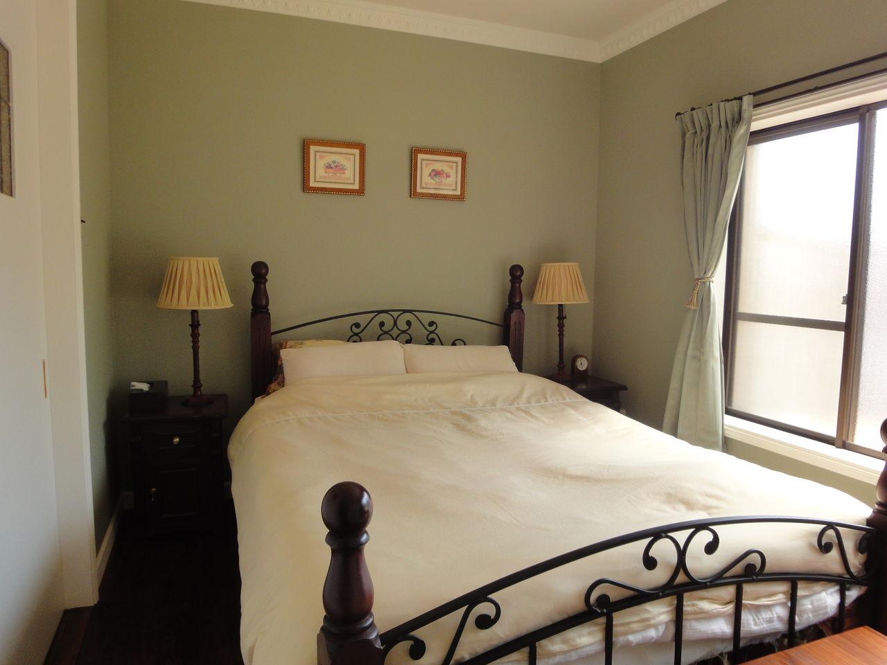 寝ている間に運気UP!寝室の壁紙におすすめ色と気になる風水は?のサムネイル画像