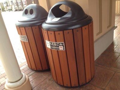 人目につくからこだわりたい!お洒落で使い勝手の良い屋外のゴミ箱!のサムネイル画像