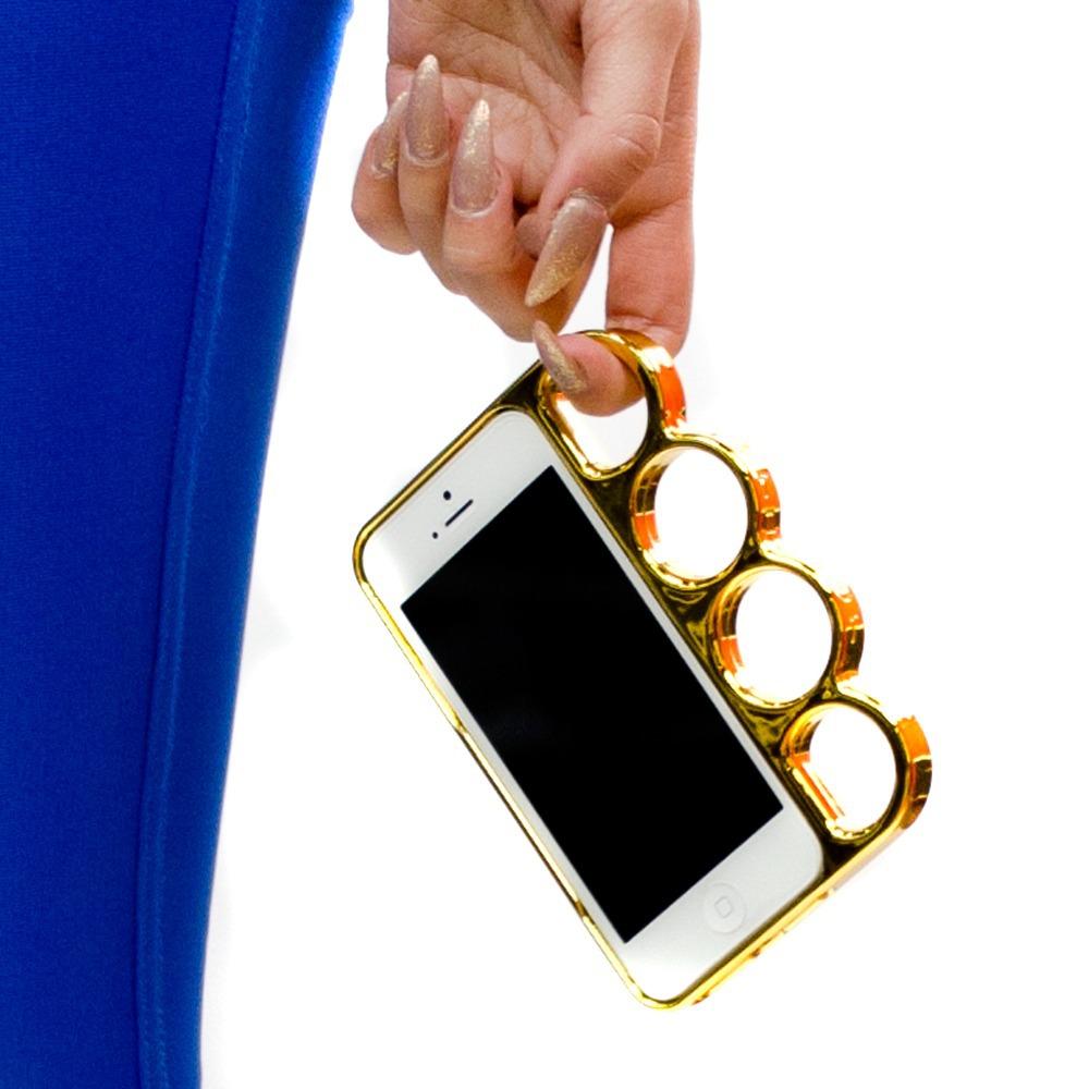 ファッションセンスはスマホケースから!ブランド風で遊び心を演出のサムネイル画像