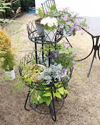 ガーデニング用の花台を選ぶなら、アイアンがオシャレでおススメ!のサムネイル画像
