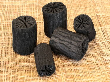 炭を作る方法です。炭の作り方を調べて、実行してみましょう。のサムネイル画像