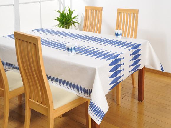 テーブルクロスを北欧風に変えておしゃれなダイニングに変身!のサムネイル画像