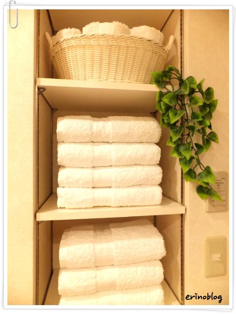 洗面所の【かさばるタオル】をすっきり収納!テクニック&アイデア集のサムネイル画像