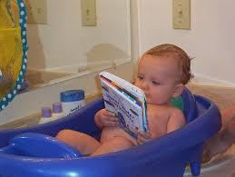 バスタイムに読書を楽しむ人急増中!お風呂で本を読む方法ご紹介!のサムネイル画像