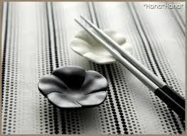 素敵な食卓に大変身!おしゃれな箸置きで会話のはずむ食卓にのサムネイル画像
