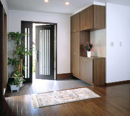 【玄関を素敵空間に】消臭とアロマの効果で幸運を招く家を演出のサムネイル画像