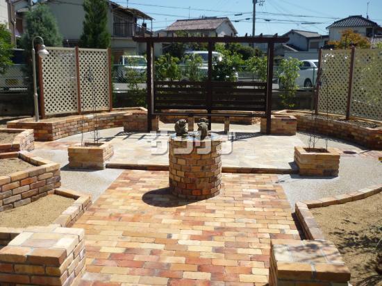 お庭の園路をレンガにしたい!ガーデンにレンガを使いましょう♪のサムネイル画像
