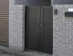 お住まいの玄関へと続く、エントランスに、門扉があります!のサムネイル画像
