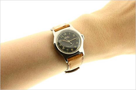 頑張るあなたにご褒美を☆正確な時を刻むオシャレな時計を!のサムネイル画像