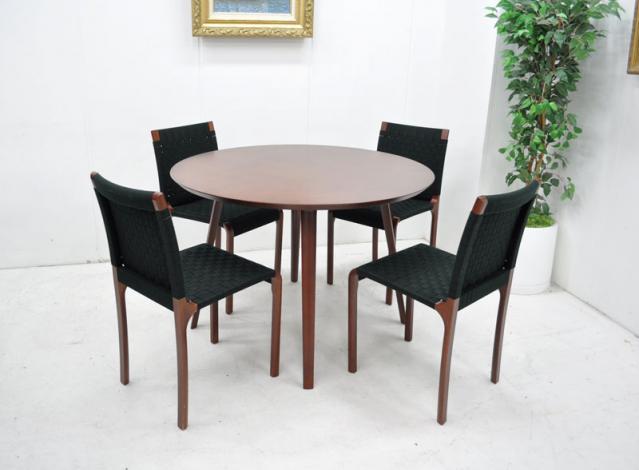 室内用、屋外用、沢山ある【テーブルセット】の種類をまとめましたのサムネイル画像