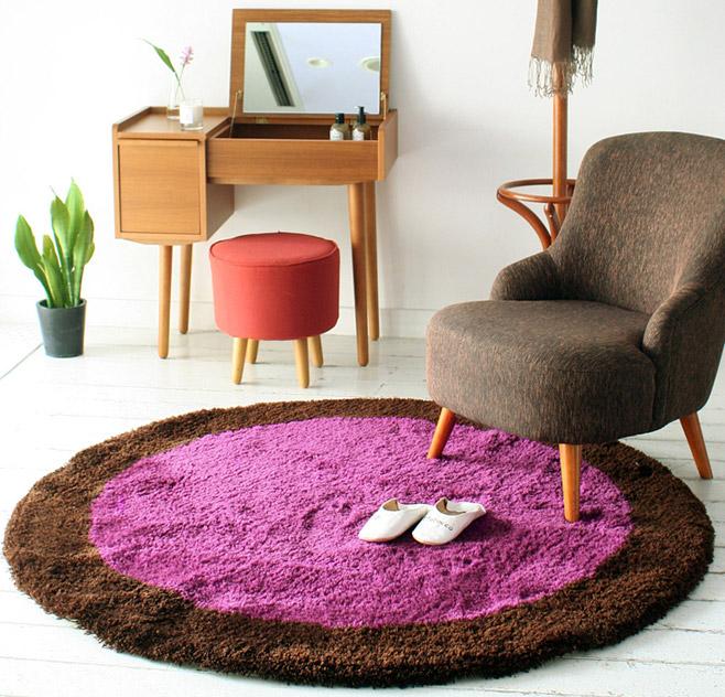 ラグマットを円形に変えてみよう お部屋がおしゃれに大変身!のサムネイル画像