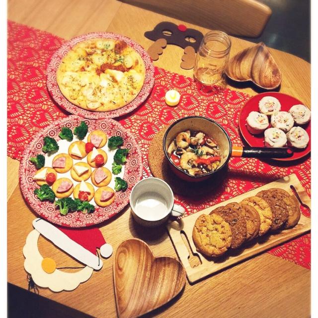 おしゃれなテーブルであなたの部屋をコーディネートしましょうのサムネイル画像
