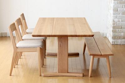 生活の中心に!おしゃれなダイニングテーブルを置きませんか?のサムネイル画像