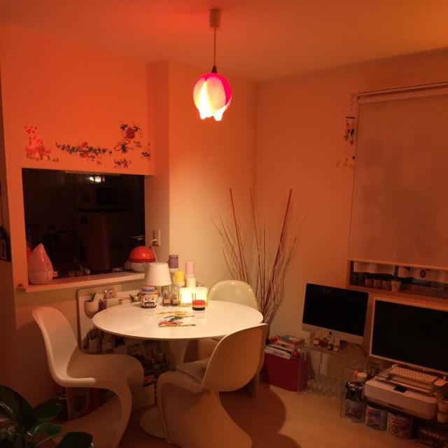 必見!お部屋が華やかになるおしゃれな白いテーブル おすすめは? のサムネイル画像