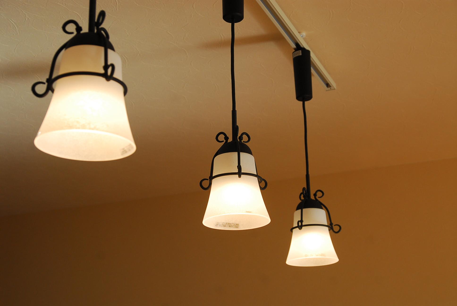 お部屋のコーディネートの役に立つ!LEDの照明器具を紹介します☆のサムネイル画像