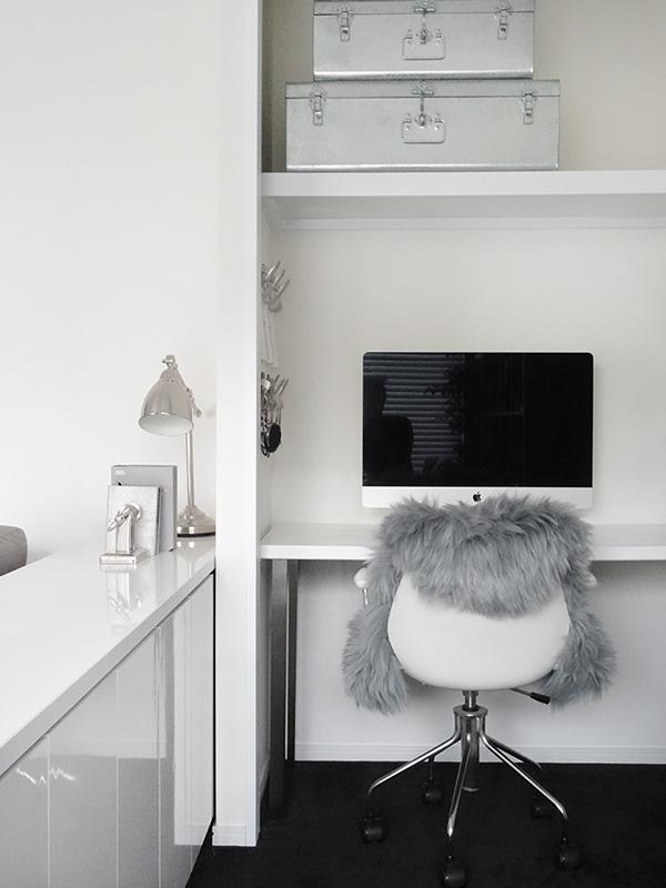 モコモコで暖かい!大人女子に人気【IKEA】のムートンカーペットのサムネイル画像