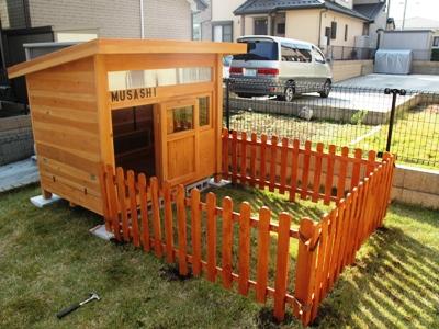 DIYで簡単に作れる【愛犬のための犬小屋】の作り方を紹介しますのサムネイル画像