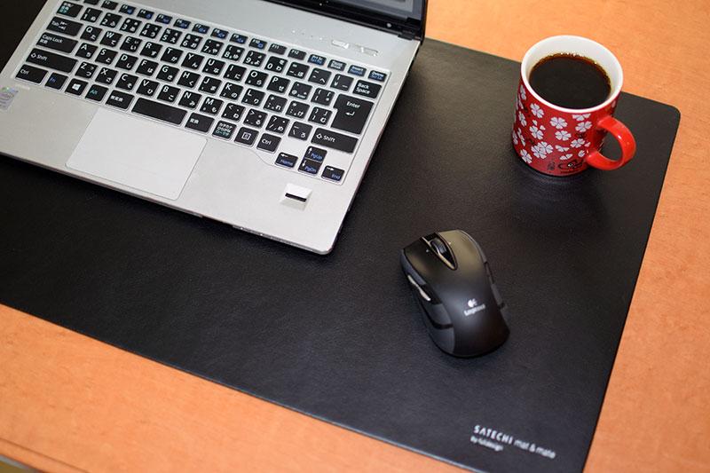 デスク作業におすすめ!おしゃれなデスクマットを紹介します☆のサムネイル画像