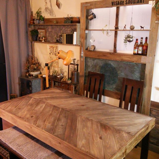 お洒落な家におすすめの家具 テーブルを変えるだけ雰囲気が変わるのサムネイル画像