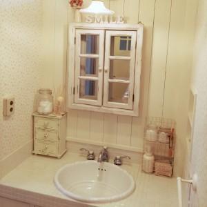 毎朝混雑する洗面所、いらない物を収納してスッキリしたいですね!のサムネイル画像