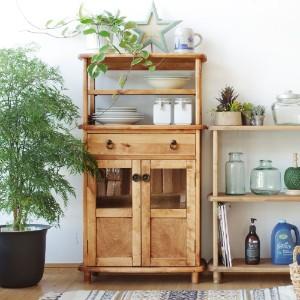 収納棚として役立つ家具を使って、お部屋に優しい空間を♪♪のサムネイル画像
