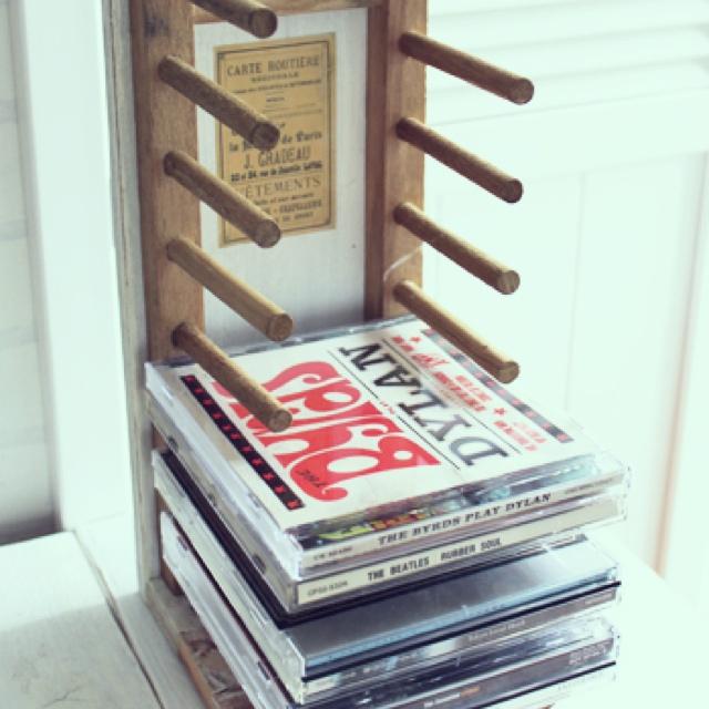 cdケースをおしゃれに収納してお部屋の雰囲気を変えてみませんか♪のサムネイル画像