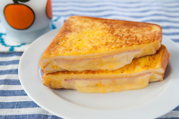 基本は美味しいものを挟んで焼く! 美味しいホットサンドの作り方のサムネイル画像